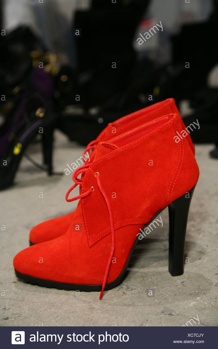 How to suede red wear shoes best photo