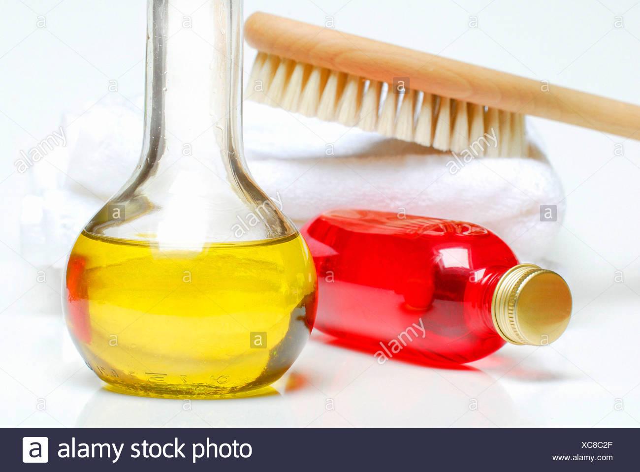Bath oil, shampoo - Stock Image