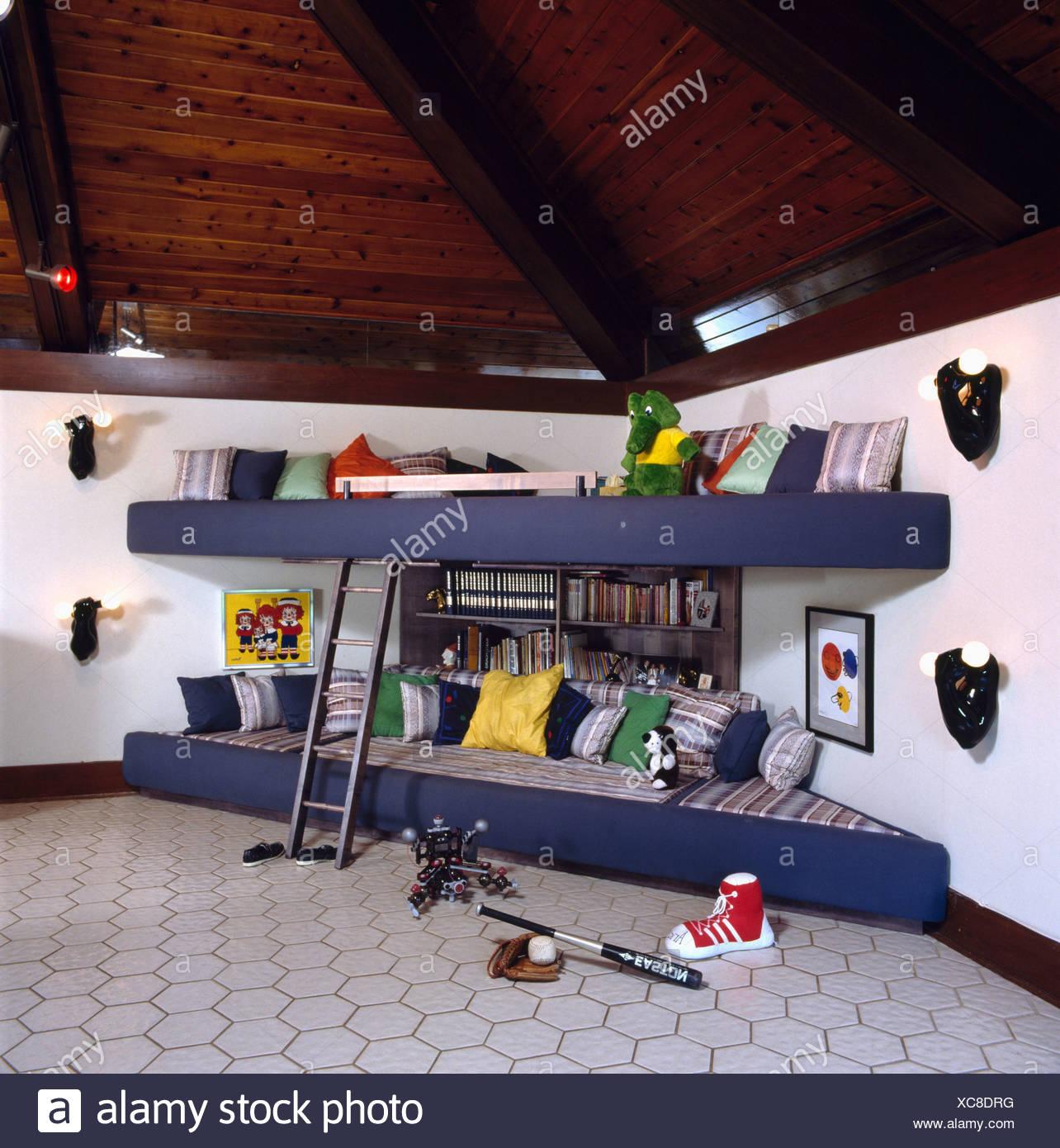 Corner Bunk Beds In Eighties Children S Bedroom With Patterned Grey Carpet Stock Photo Alamy