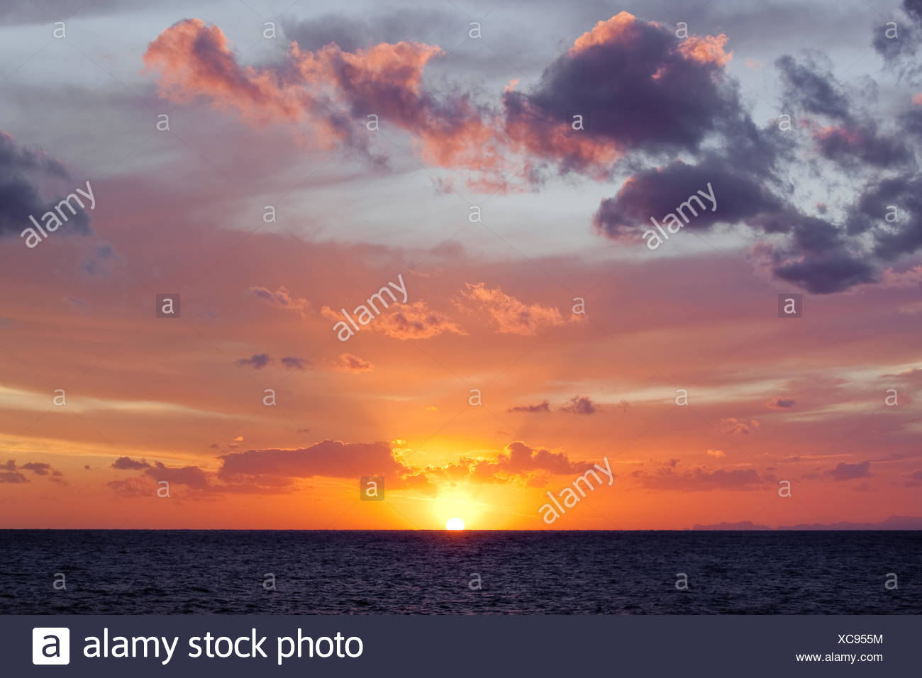 sky,sunset,horizon,sea - Stock Image
