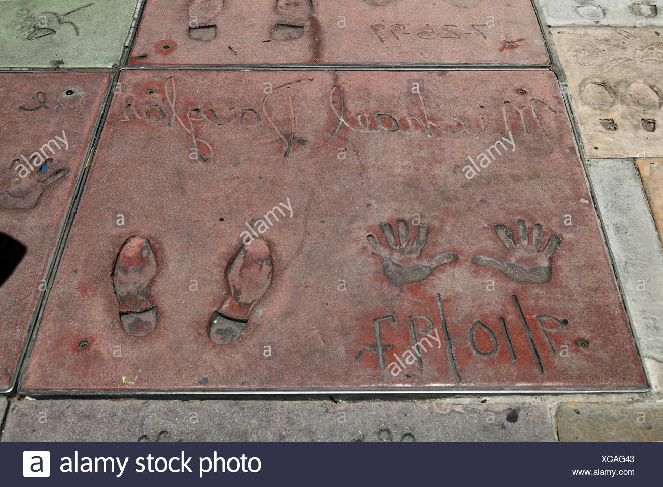 Douglas, Michael, * 25.9.1944, US actor, hand- and footprints, Grauman's Chinese Theater, Hollywood Blvd, Hollywood, Los Angeles, California, USA, Additional-Rights-Clearances-NA - Stock Image
