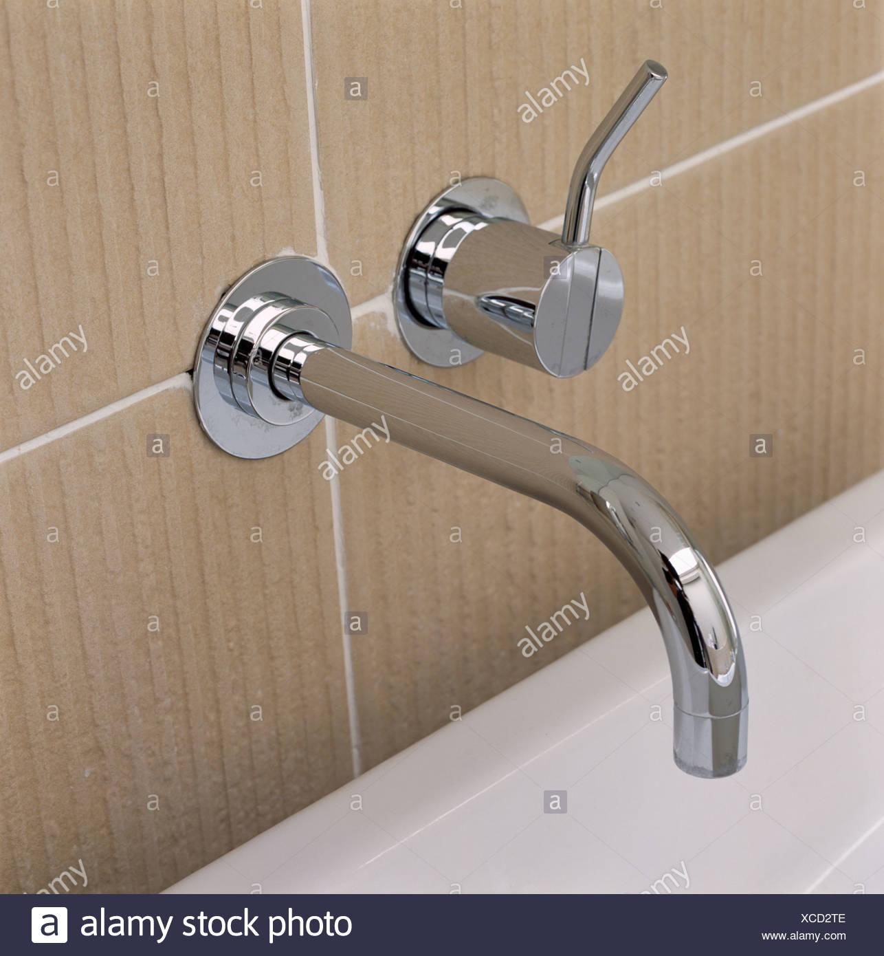 Close Up Chrome Bath Taps Stock Photos & Close Up Chrome Bath Taps ...