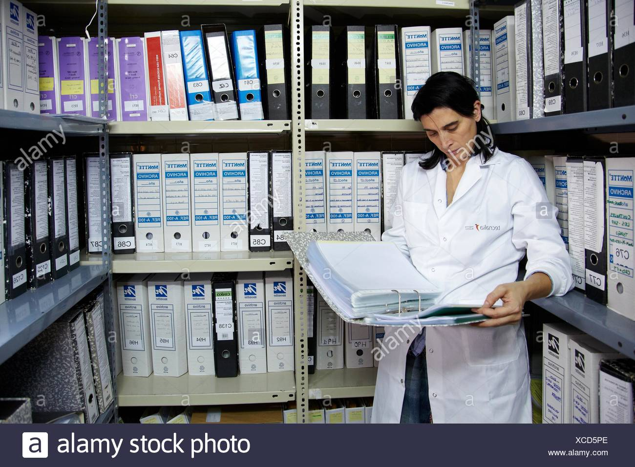 File documentation of studies completed, Clinical Trials Unit, Testing in Phase 1, the first drug administration in humans, - Stock Image