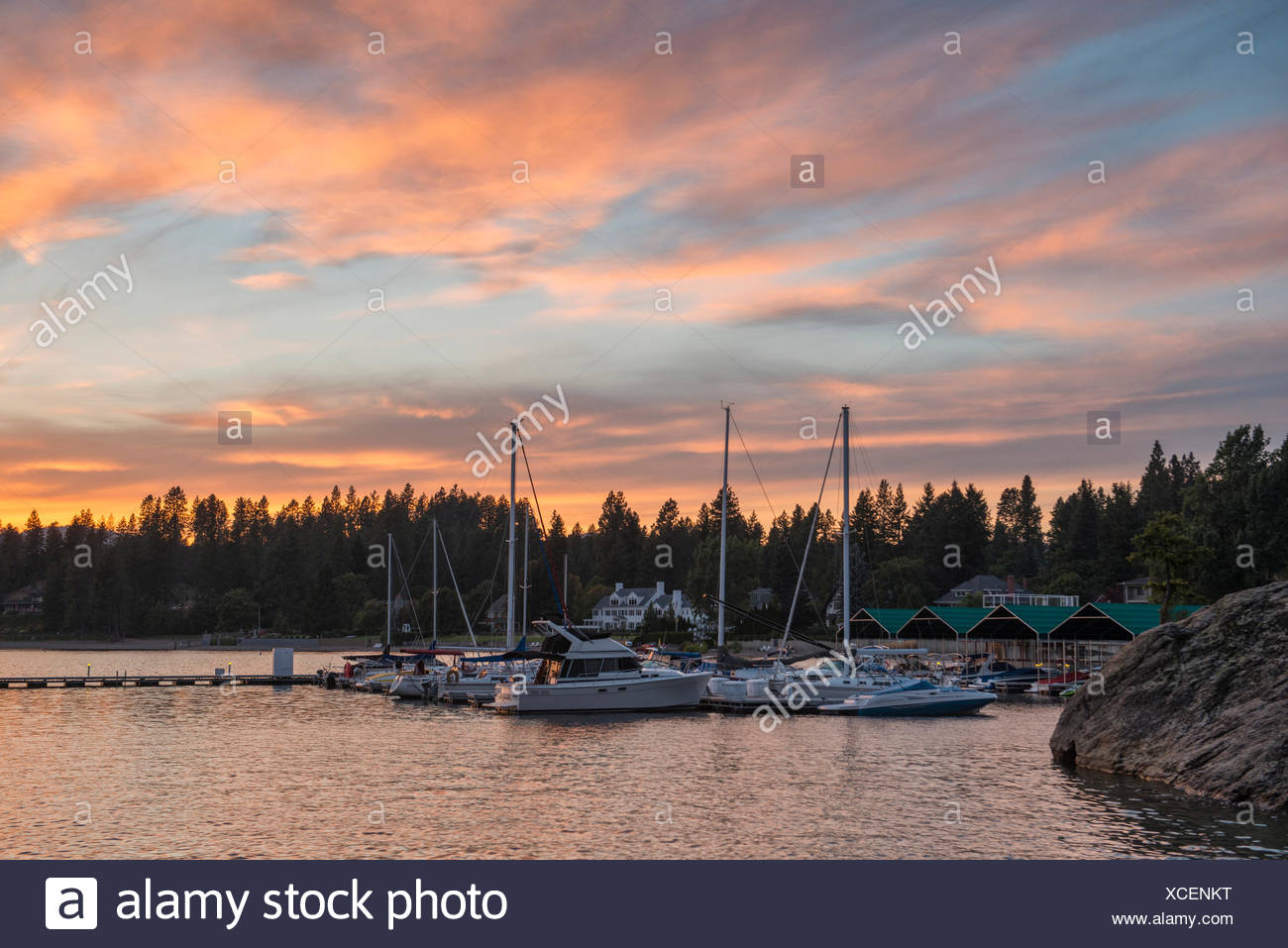 USA, United States, America, Idaho, Coeur d'Alene, shore, Rockies, rocky mountains, yacht, house, harbour, dock, sunset, boats, - Stock Image