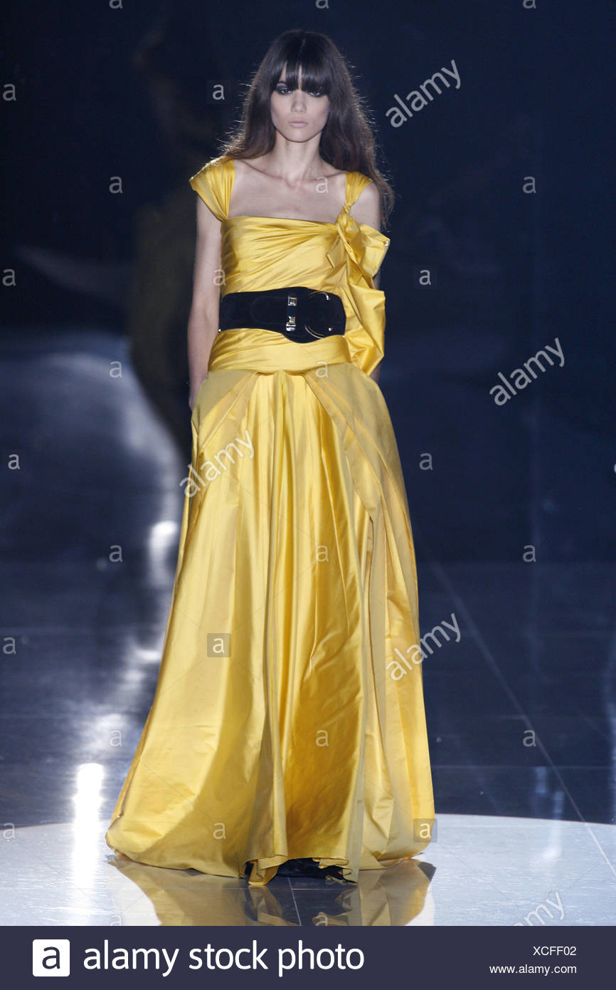 Gucci Evening Gown Stock Photos & Gucci Evening Gown Stock Images ...
