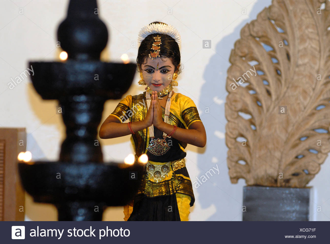Young Bharata Natyam dancer, cultural program of the boutique hotel Malabar House, Fort Kochi, Fort Cochin, Kerala, South India - Stock Image