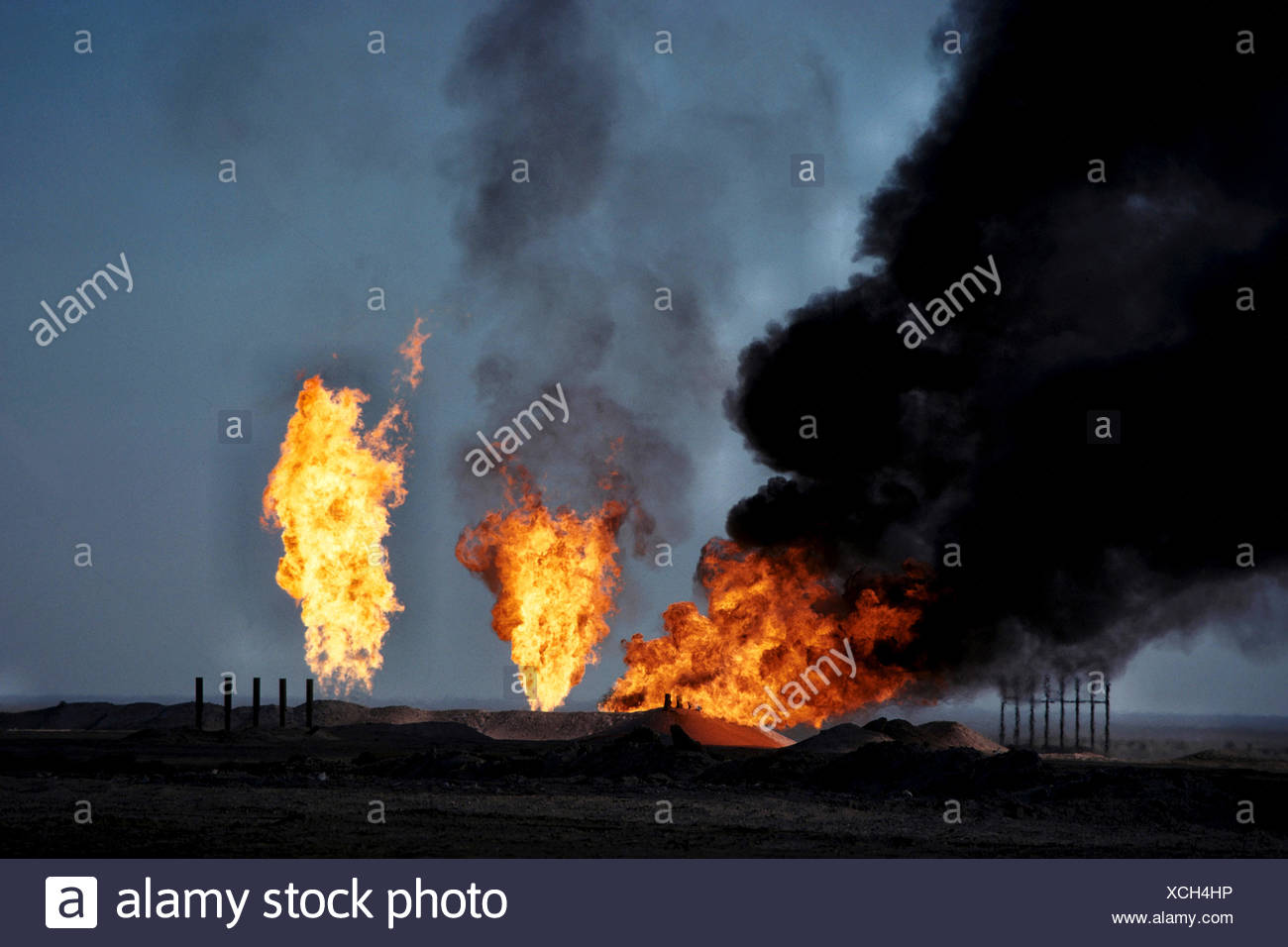 burning natural gas, Iraq, Rumaila - Stock Image