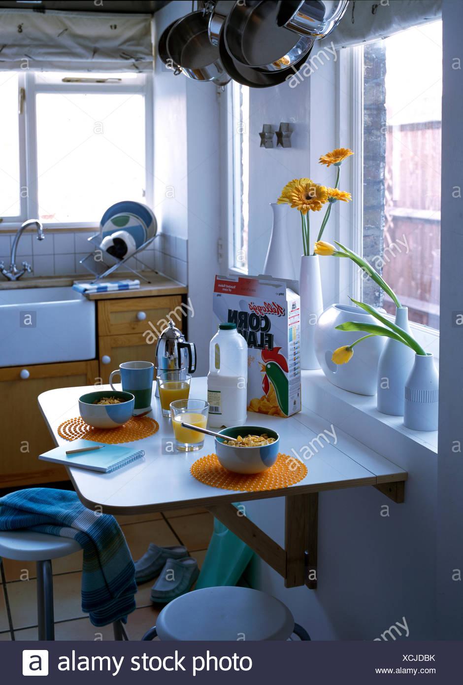 Small Kitchen Stock Photos & Small Kitchen Stock Images - Alamy