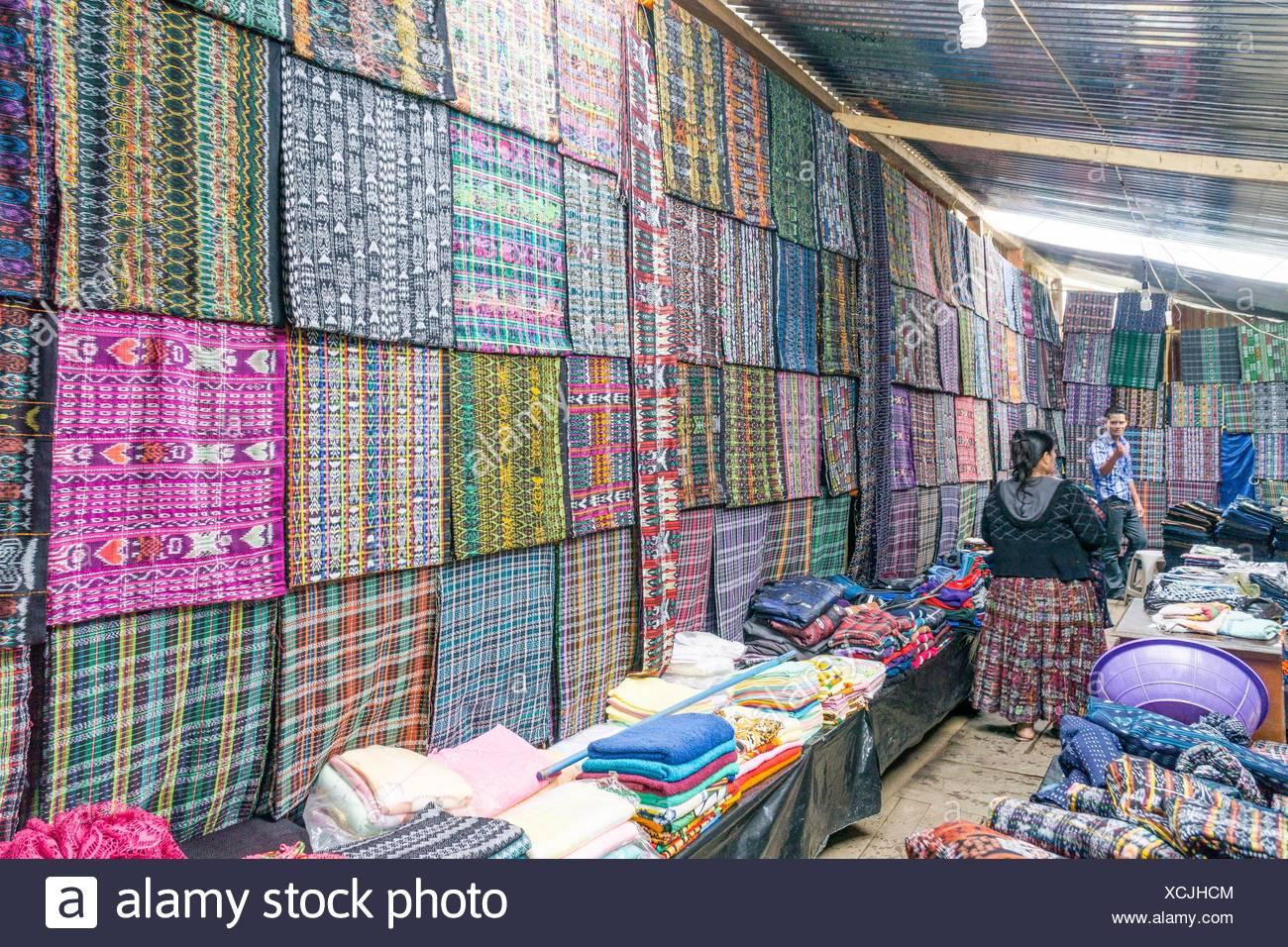 Fabric market, Lancetillo, La Parroquia, zona Reyna, Quiche, Guatemala, Central America. Stock Photo