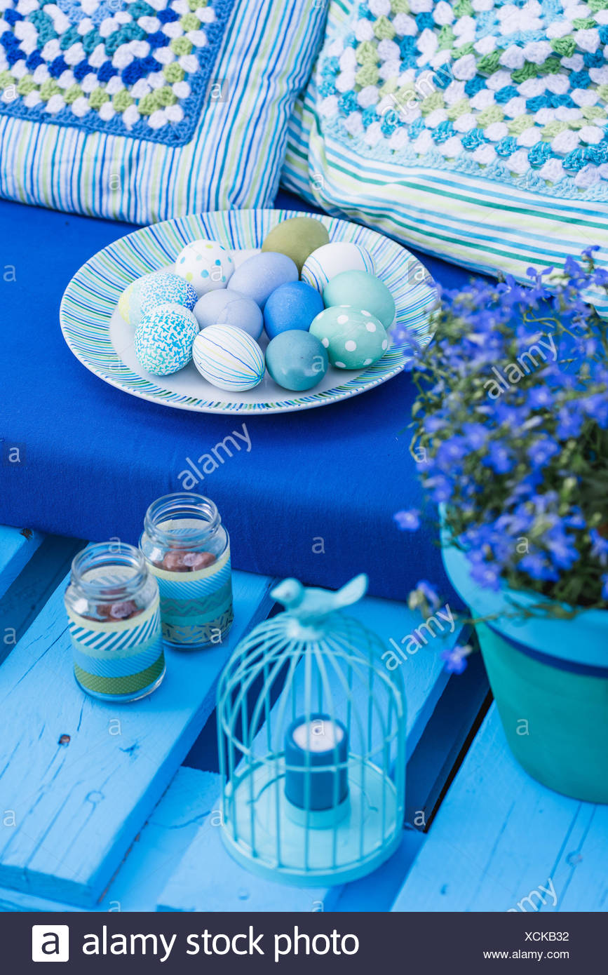 Garden, sofa made of pallets, Easter decoration, detail, - Stock Image