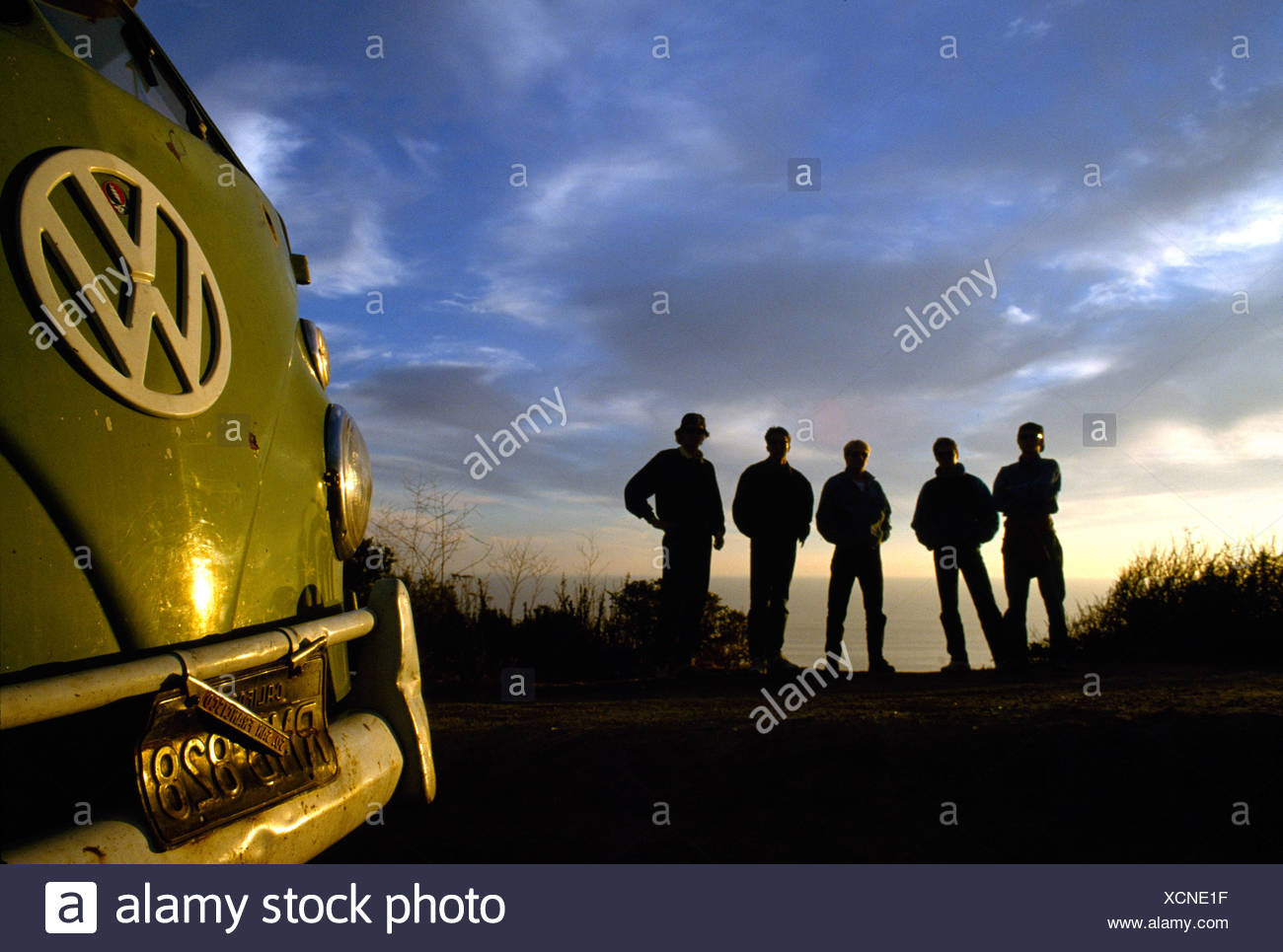 Travellers with VW-Bus, Highway One, California, USA - Stock Image