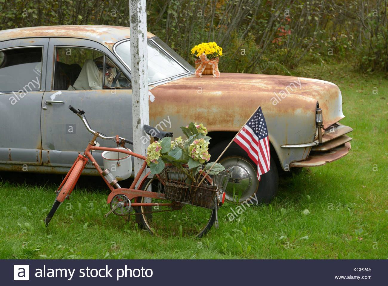 Old, Car, rusty, Lisbon Falls, Androscoggin County, Maine, New England, East Coast, USA, United States, America, - Stock Image