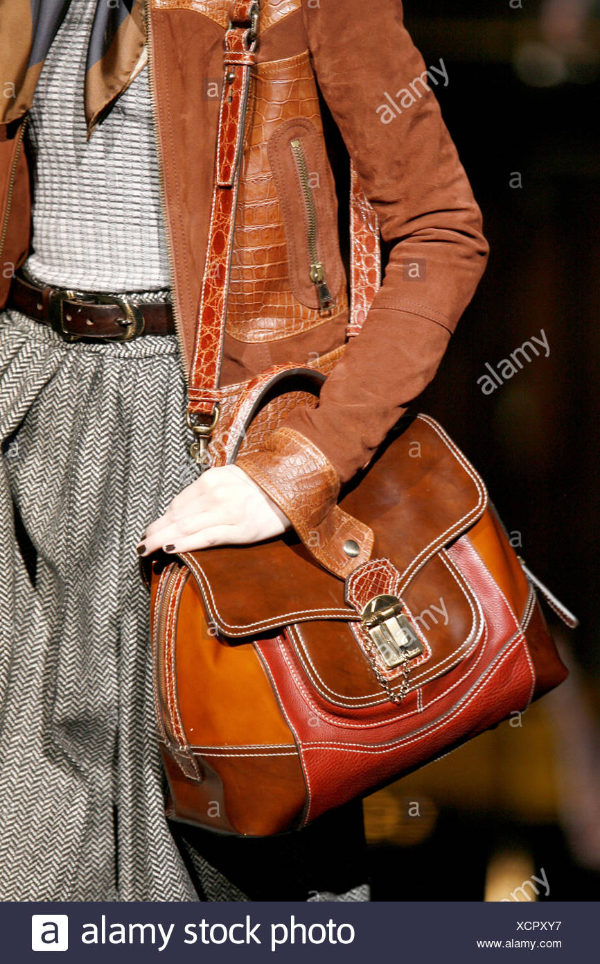 879b6b1d4953 Dolce   Gabbana Ready to Wear Autumn Winter Cropped torso female carrying  brown leather and snakeskin trimmed shoulder bag