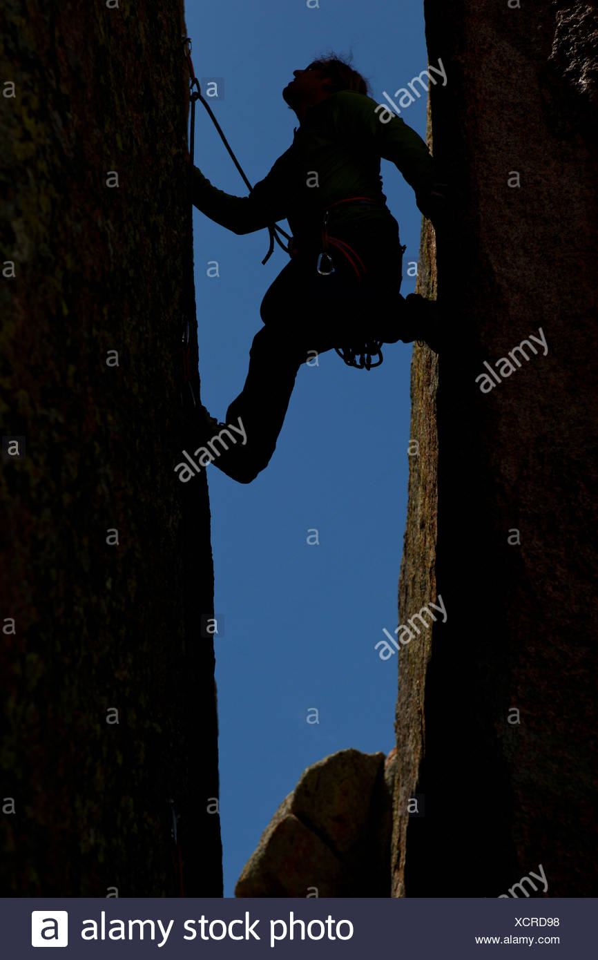Wild stemming on the Convict, 5.9 in the Maze District of Vedauwoo. - Stock Image