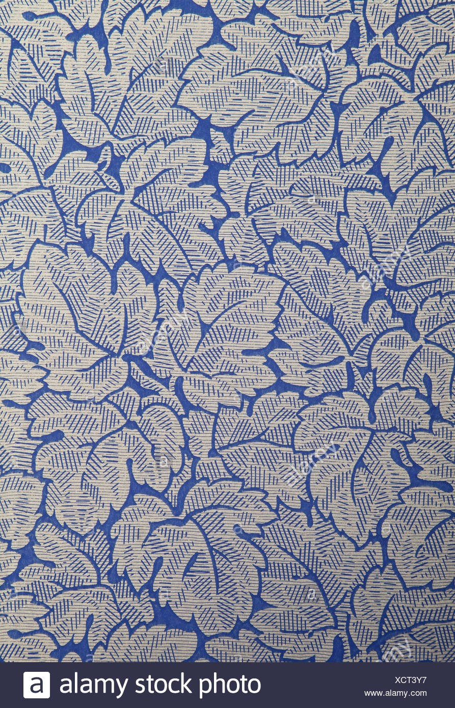 Antique wallpaper with flowers and leafs - Stock Image