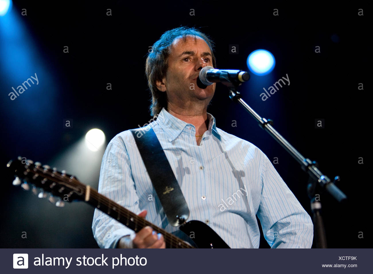 Irish singer Chris de Burgh live at the Sommerabend Open Air at the Heitere in Zofingen, Switzerland - Stock Image