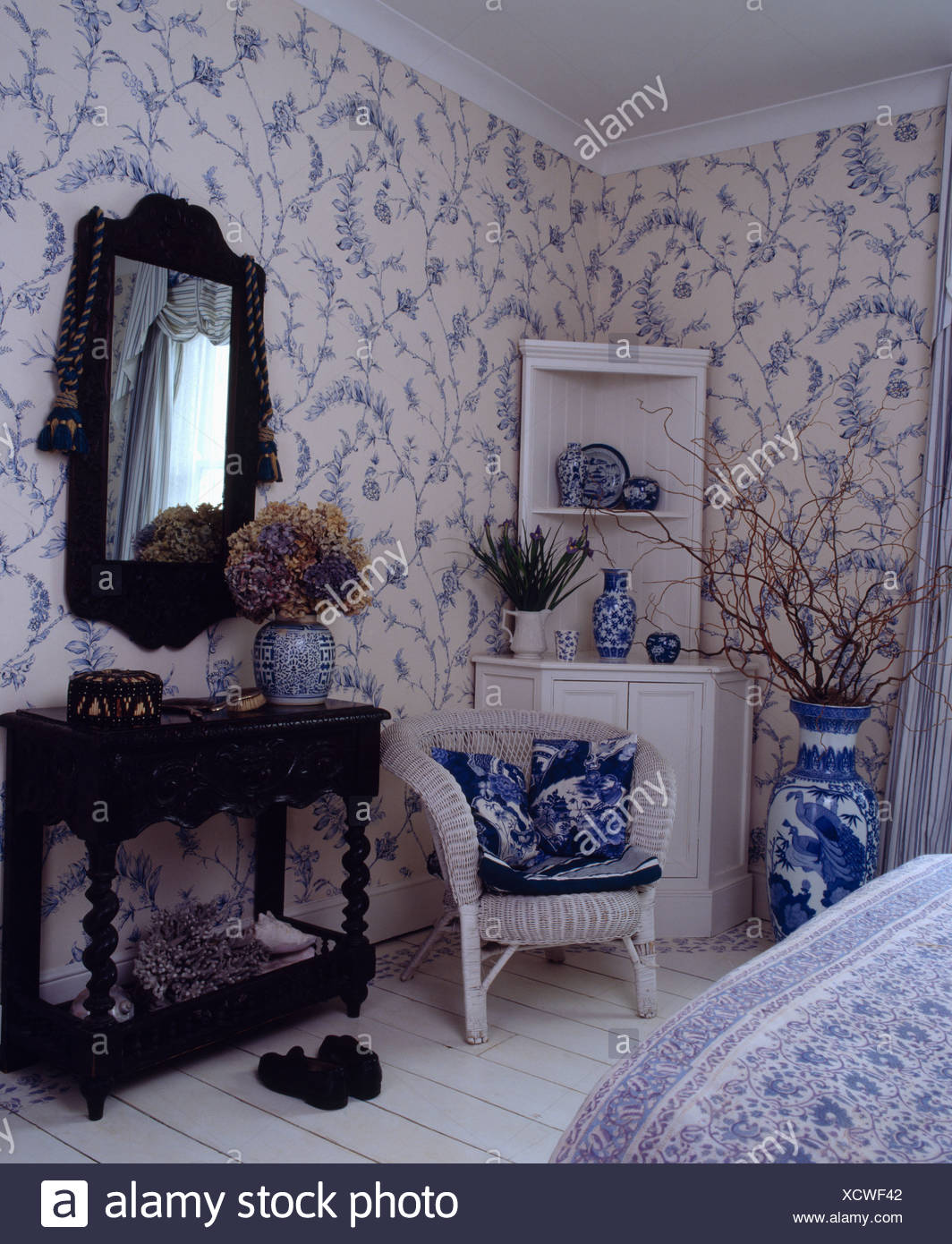 Pleasant Blue And White Wallpaper In Bedroom With White Wicker Chair Uwap Interior Chair Design Uwaporg