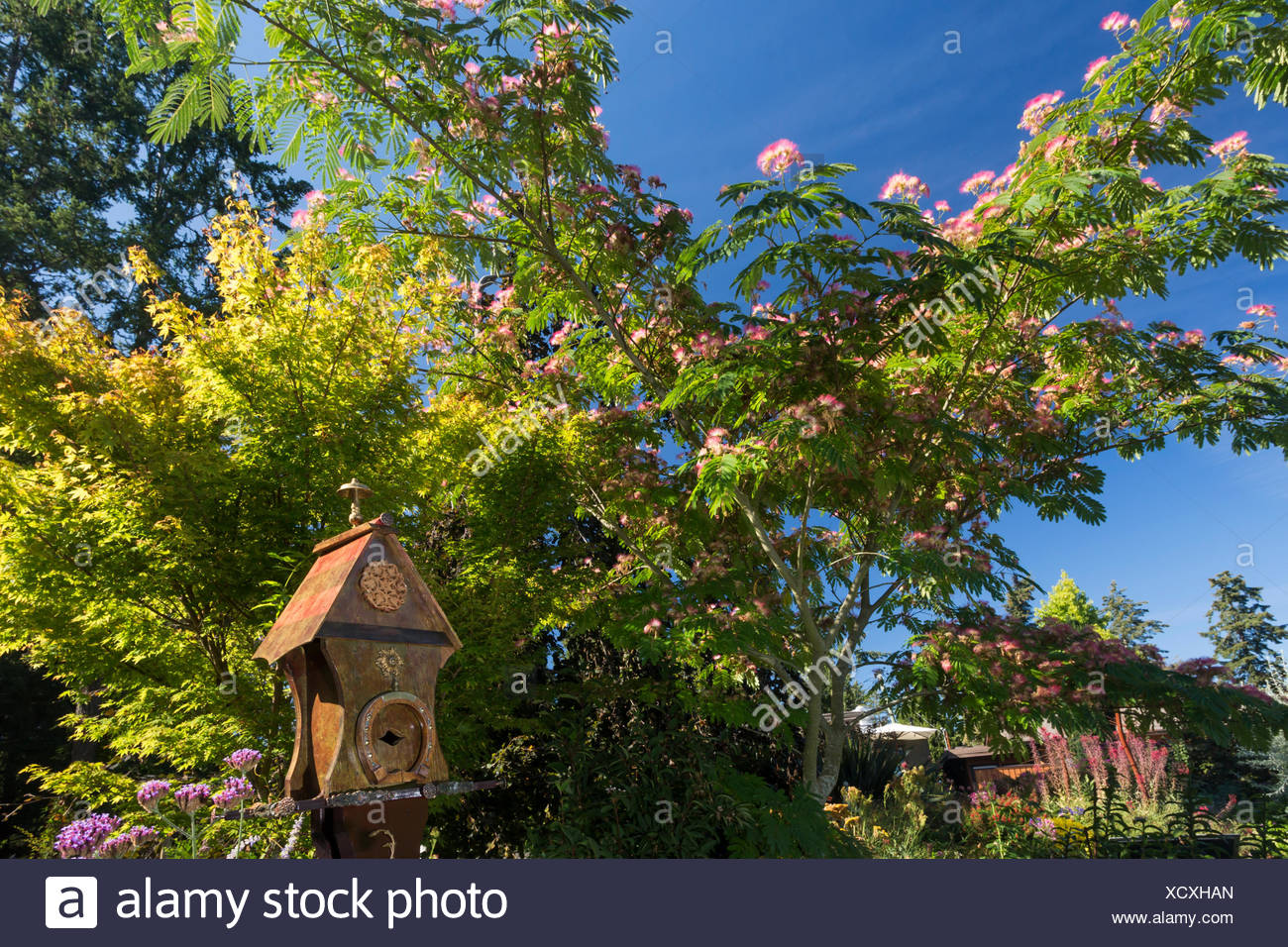 Located 12 kms north of downtown Victoria, the Horticultural Centre of the Pacific welcomes visitors to it's public gardens, cared for by volunteers, staff and students.  Victoria, Vancouver Island, British Columbia Stock Photo