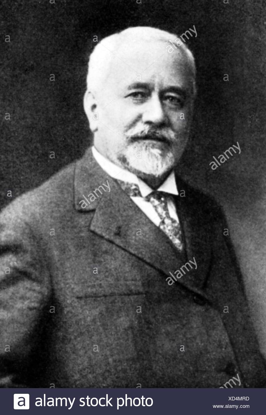 Calmette, Albert,12.7.1863 - 29.10.1933, French physician, bacteriologist, developed a vaccine against tuberculosis together with Camille Guerin, half length, Additional-Rights-Clearances-NA - Stock Image