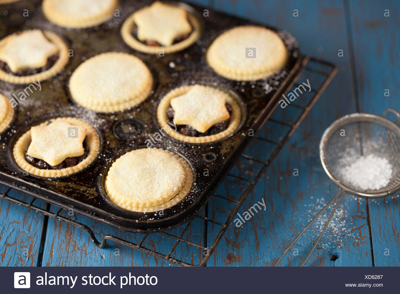 Mince Pies in Tray - Stock Image