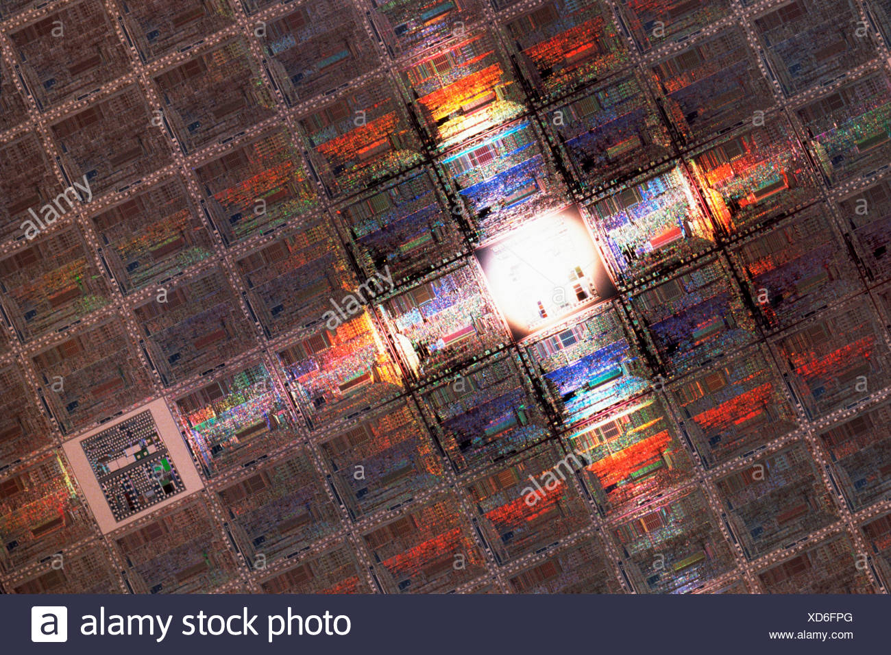 History Of Integrated Circuit Quality Electronic Wafers Stock Photos Images Alamy A Wafer Silicon Etched Microprocessor Circuits Control Test Appears Lower Right