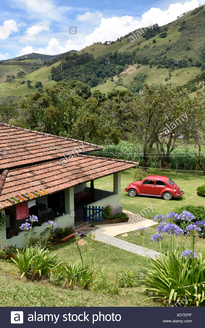 Typical house in the rural neighborhood Fragária in the Serra da Mantiqueira, Itamonte, Minas Gerais, Brazil, 12.2016 - Stock Image