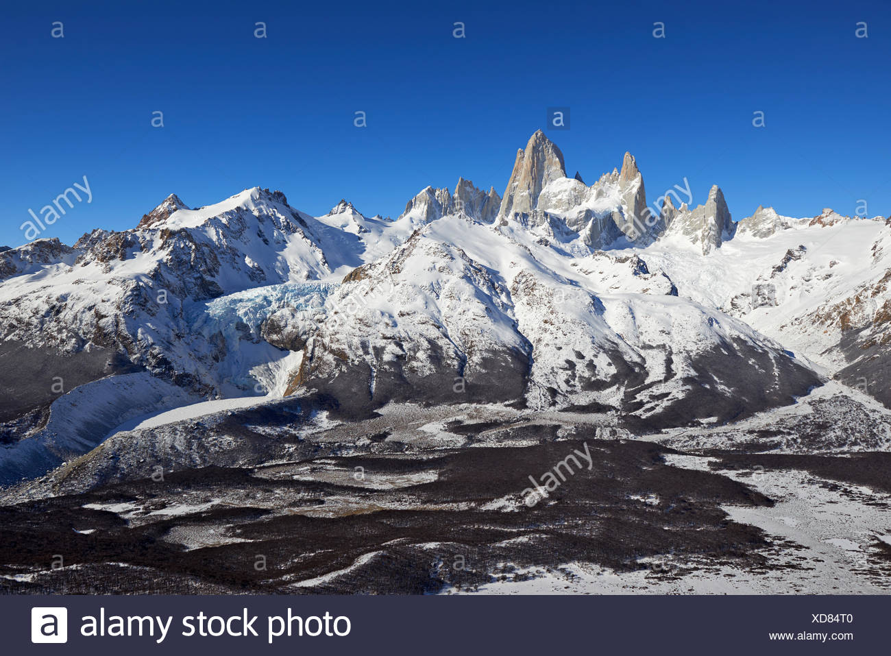 geography / travel, Argentina, Patagonia, Santa Cruz, El Chalten, Fitz Roy and aguja Poincenot in winter, Additional-Rights-Clearance-Info-Not-Available - Stock Image