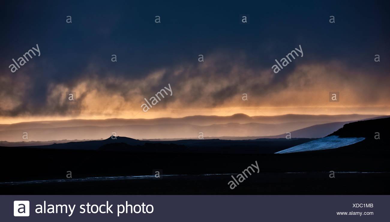 Sunset over ash filled landscapes, Mt Thoristindur, Grimsvotn volcanic eruption, Iceland - Stock Image
