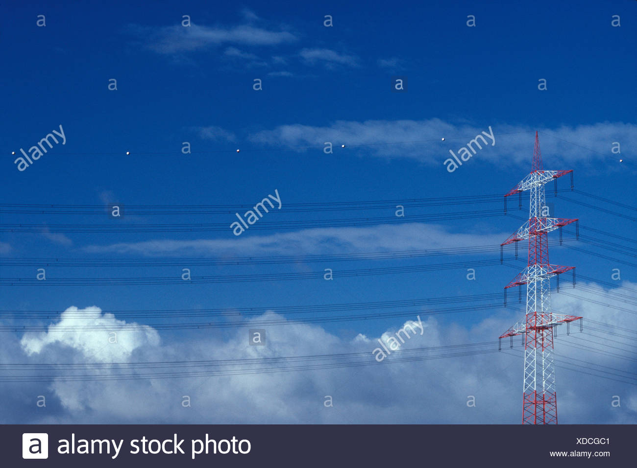 Power Line Wire Landline Energy Stock Photos & Power Line Wire ...