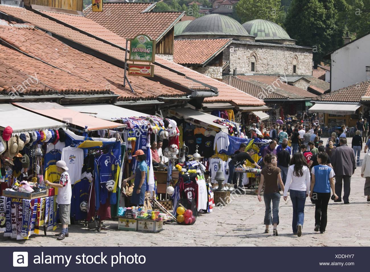 Bosnien-Herzegowina, Sarajevo, Altstadt, Bascarsija, Gasse, Fußgänger, no model release, Stock Photo