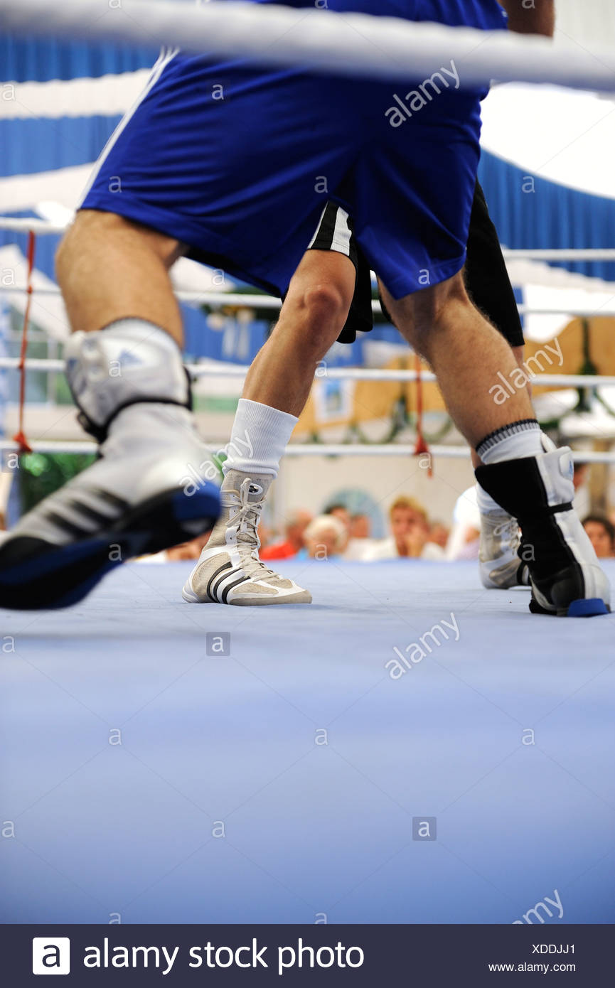Traditional boxing match in a beer tent at the Volksfest festival in Geretsried, Bavaria, Germany, Europe - Stock Image