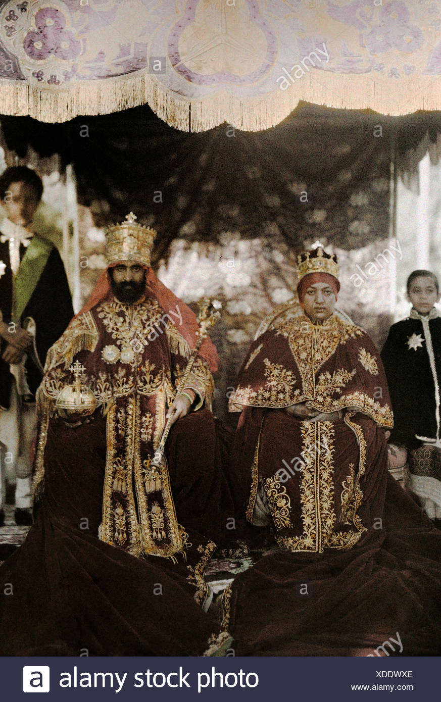 The monarchs Haile Selassie the First and Manen, pose in their robes. - Stock Image