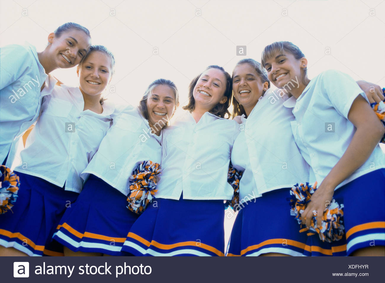Teen cheer girl group pics apologise, but