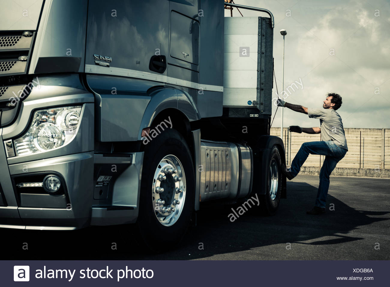 how to drive a tractor trailer truck