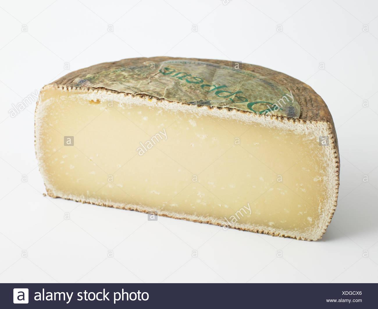 Italian Pecorino Sardo ewe's milk cheese, close-up - Stock Image