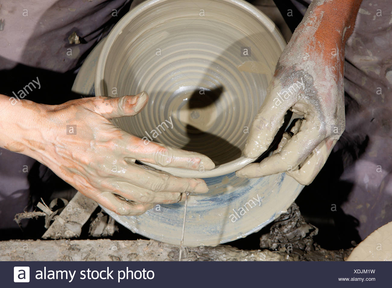 Production of pottery at a potter's wheel, Bamessing, Cameroon, Africa - Stock Image