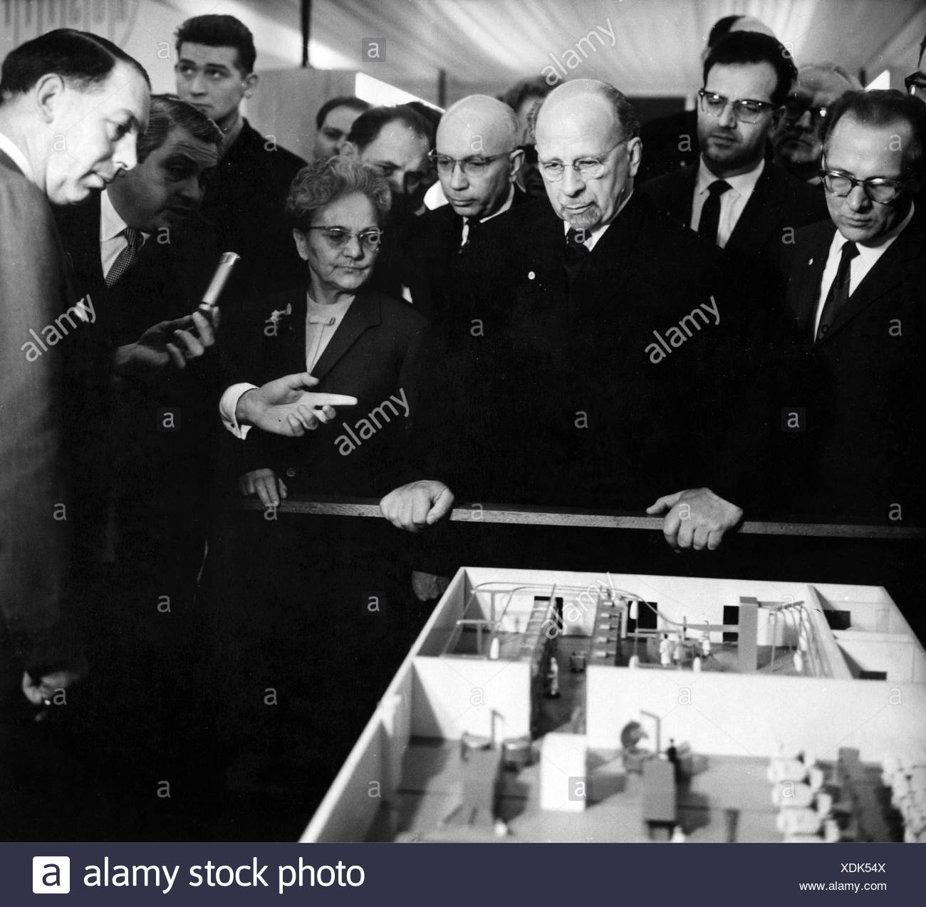 Ulbricht, Walter, 30.6.1893 - 1.8.1973, German politician (SED), Chairman of State Council of the German Democratic Republic 12.9.1960 - 1.8.1973, visiting the Leipzig Fair, stand of Associated British Laundry Engineers Ltd., with wife Lotte, 1964, , Additional-Rights-Clearances-NA - Stock Image