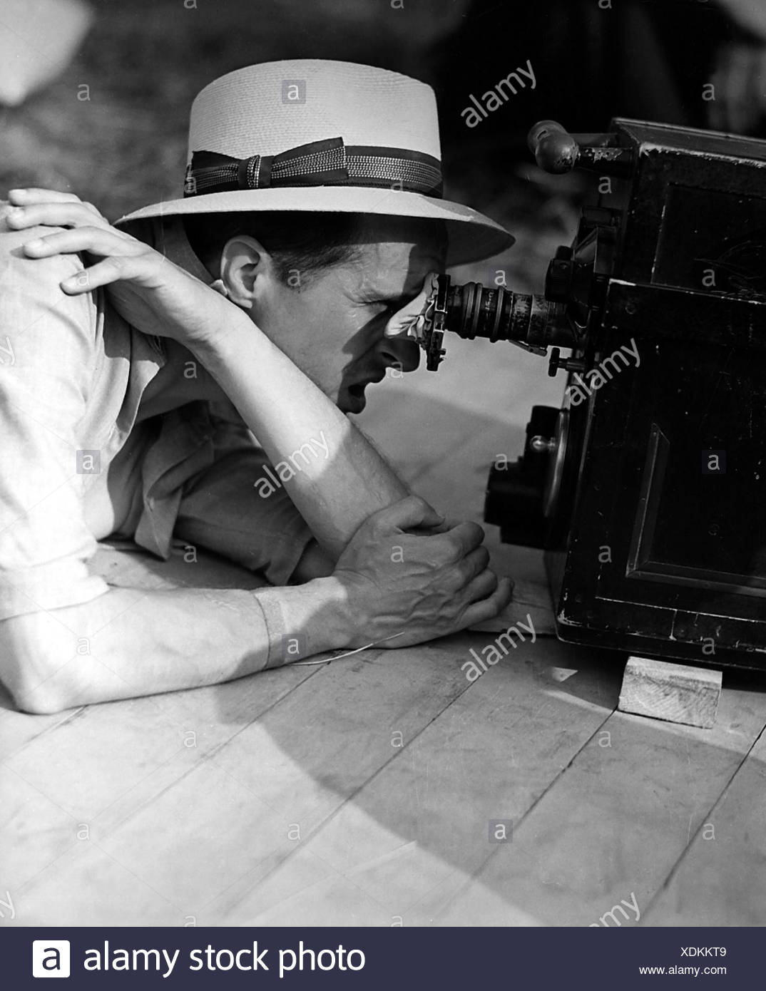 Clair, Rene, 11.11.1898 - 15.3.1981, French director, half length, filming, 1950s, Additional-Rights-Clearances-NA - Stock Image