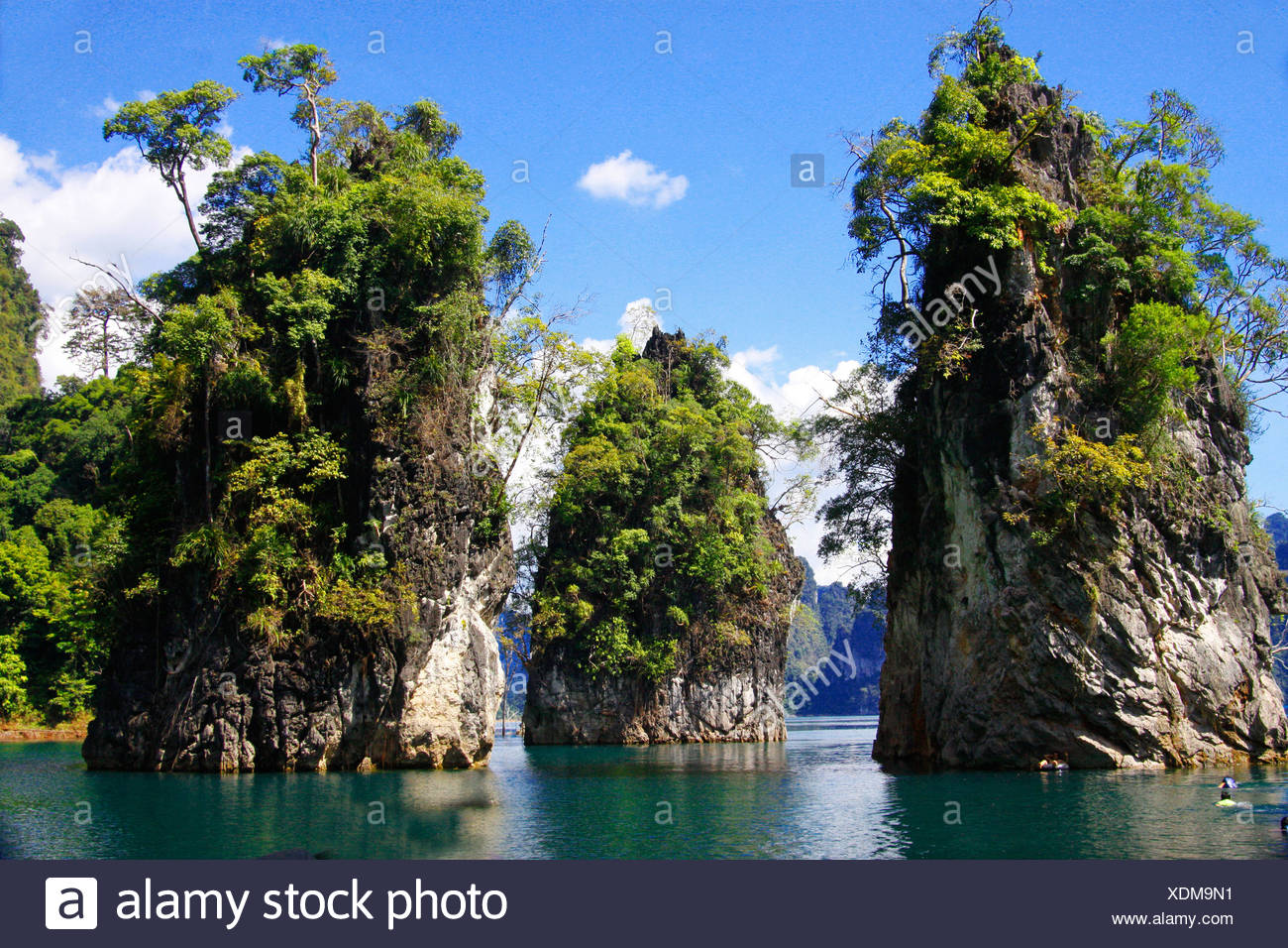 Chiao Lan reservoir and limestone formations, Thailand, Khao Sok National Park, Surat Thani - Stock Image