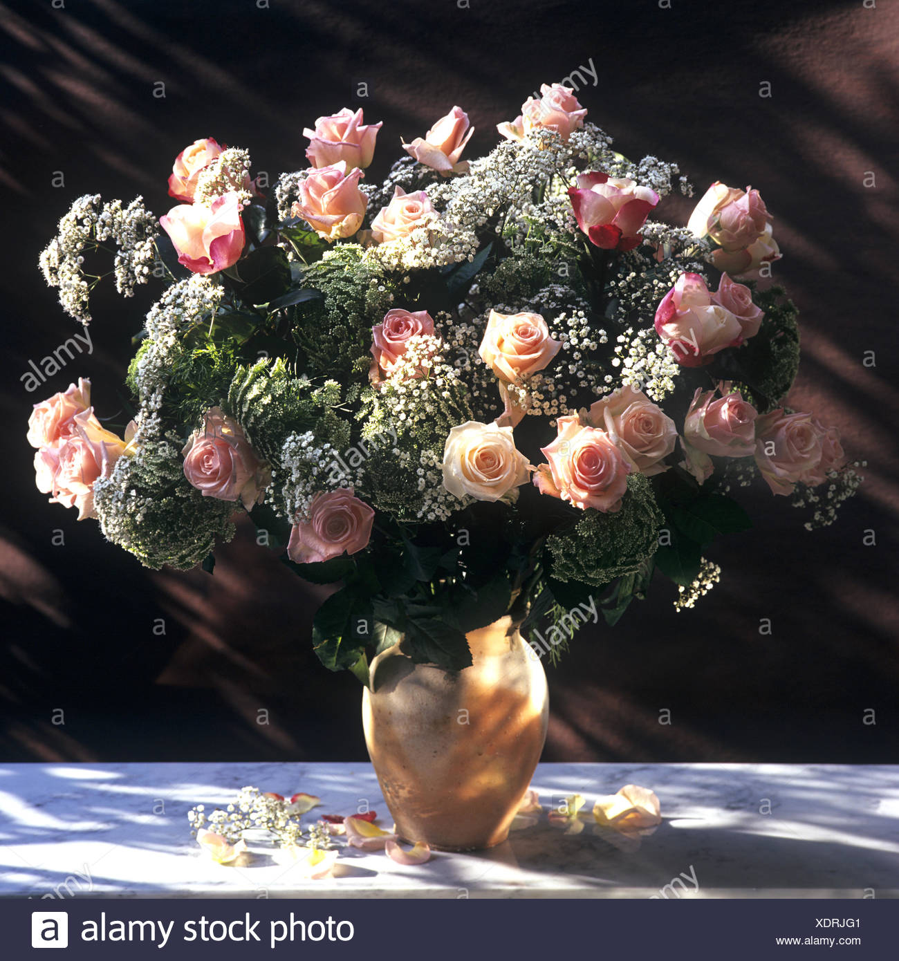 Bouquet bunch of flowers roses stock photo 283875873 alamy bouquet bunch of flowers roses izmirmasajfo
