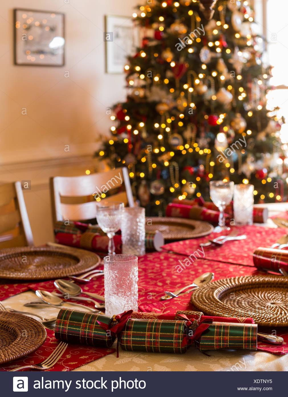English Christmas Crackers.English Christmas Table With Crackers Stock Photo 283900489