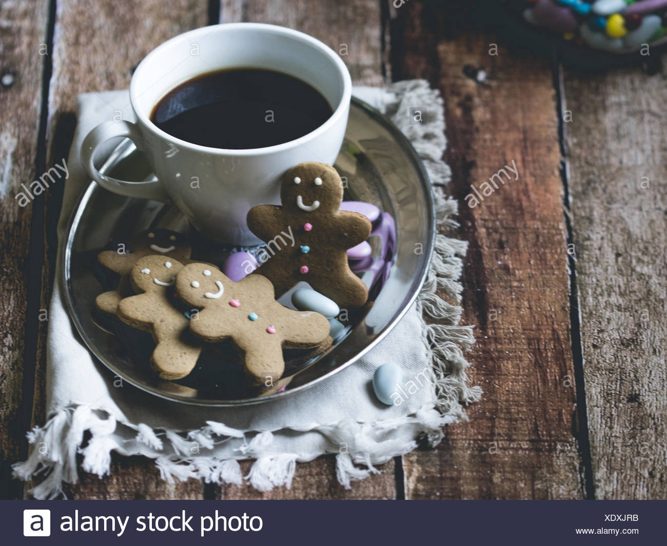 Coffee and gingerbread men - Stock Image