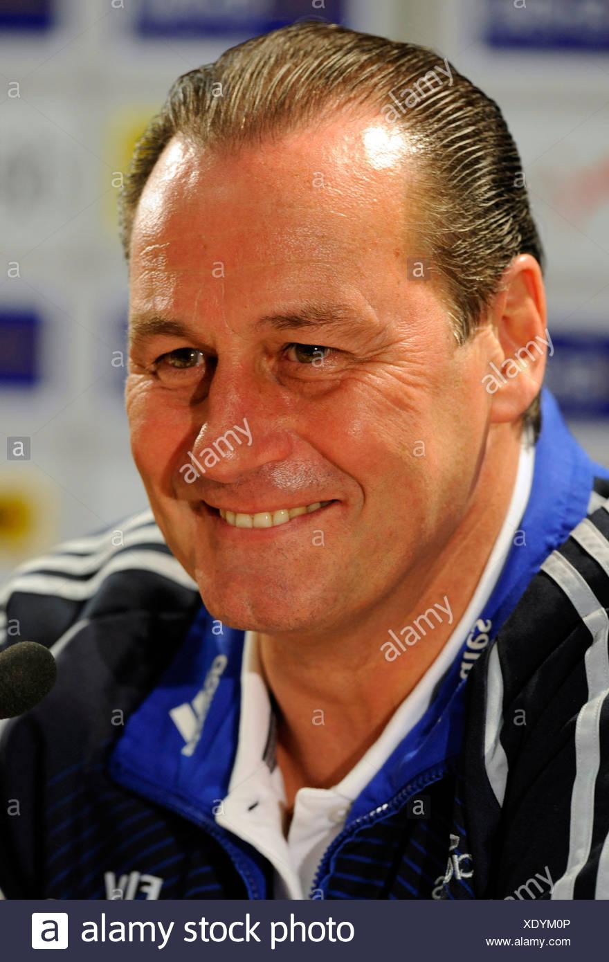 Coach Huub Stevens, Hamburger SV football club - Stock Image