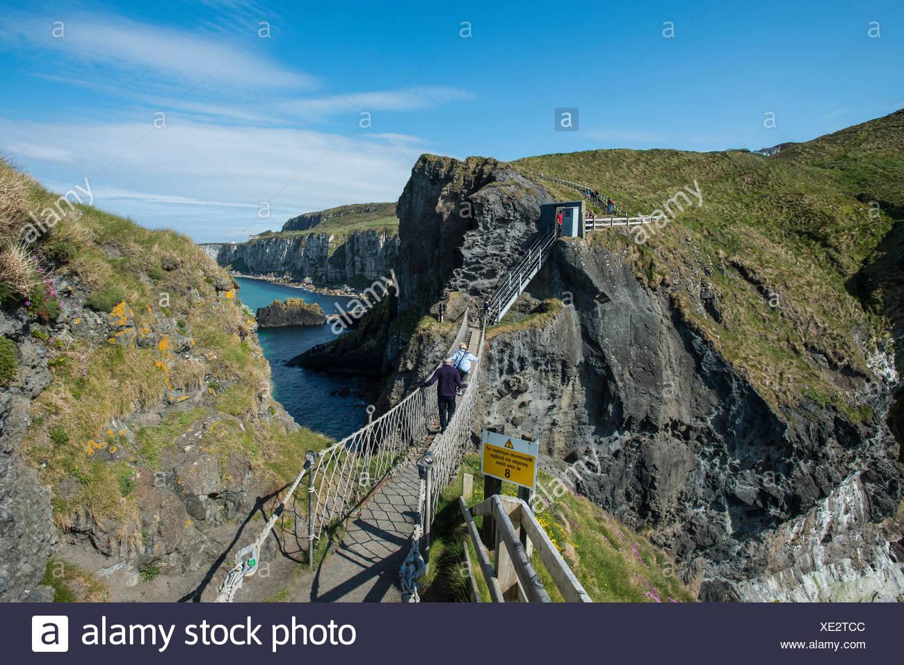 Carrick-a-Rede Bridge, suspension bridge, Moyle, Northern Ireland, United Kingdom, Europe - Stock Image
