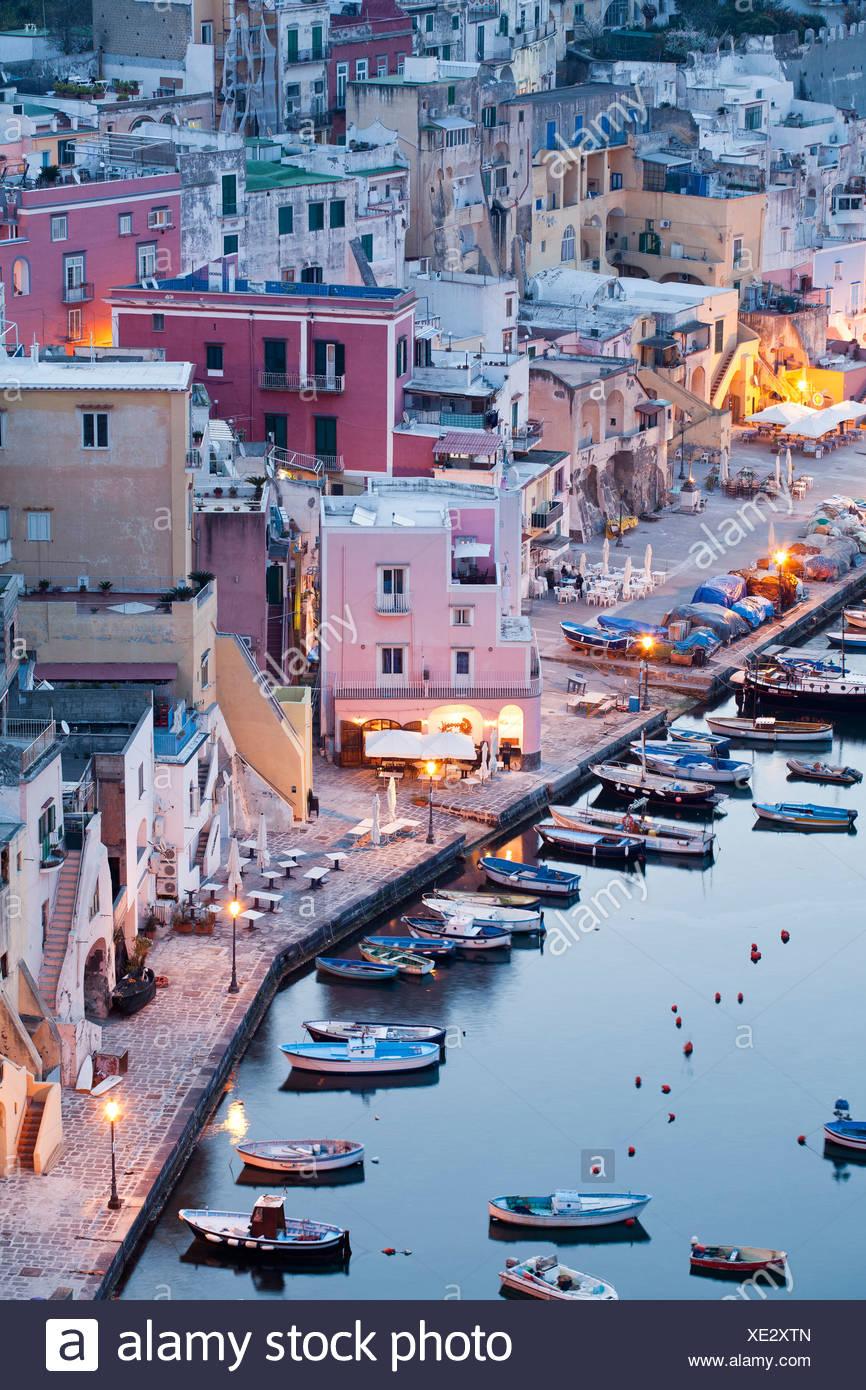 Abendstimmung, Campania, Fischereihafen, Golf von Neapel, Hafen, Insel, Italien, Kampanien, Meer, Mittelmeer, Procida, Wasser - Stock Image