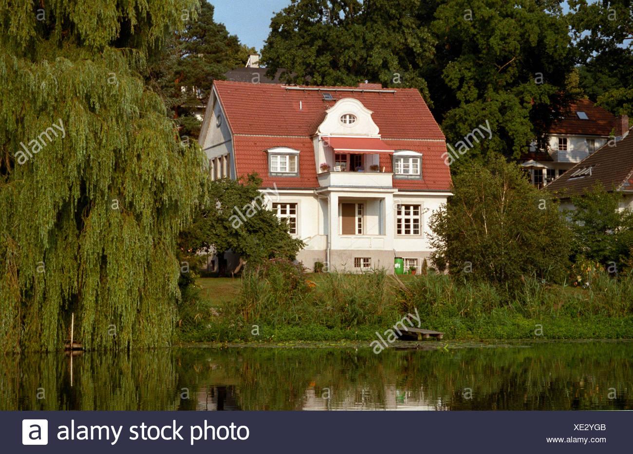 garden berlin villa villas idyll gardens detached house suburb bank ...