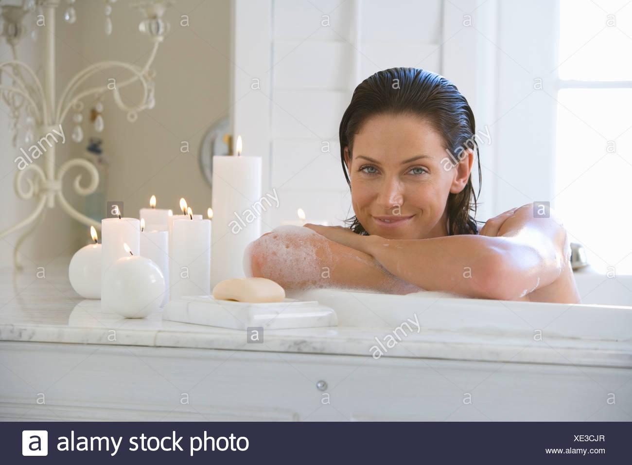 nude-woman-in-bubble-bath