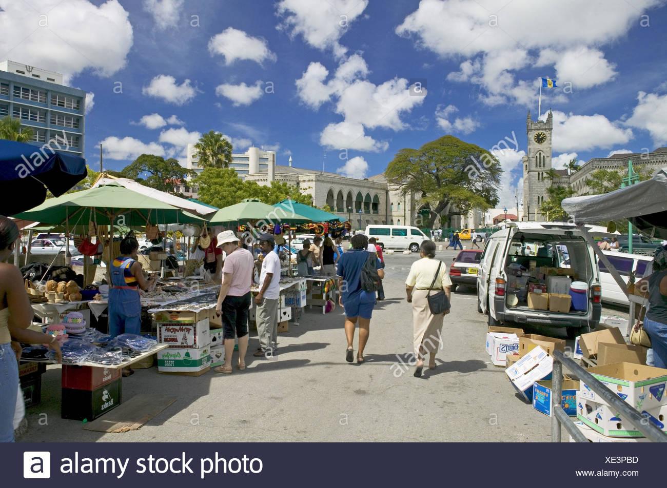 Barbados, Bridgetown, Straßenmarkt, Besucher, no model release - Stock Image