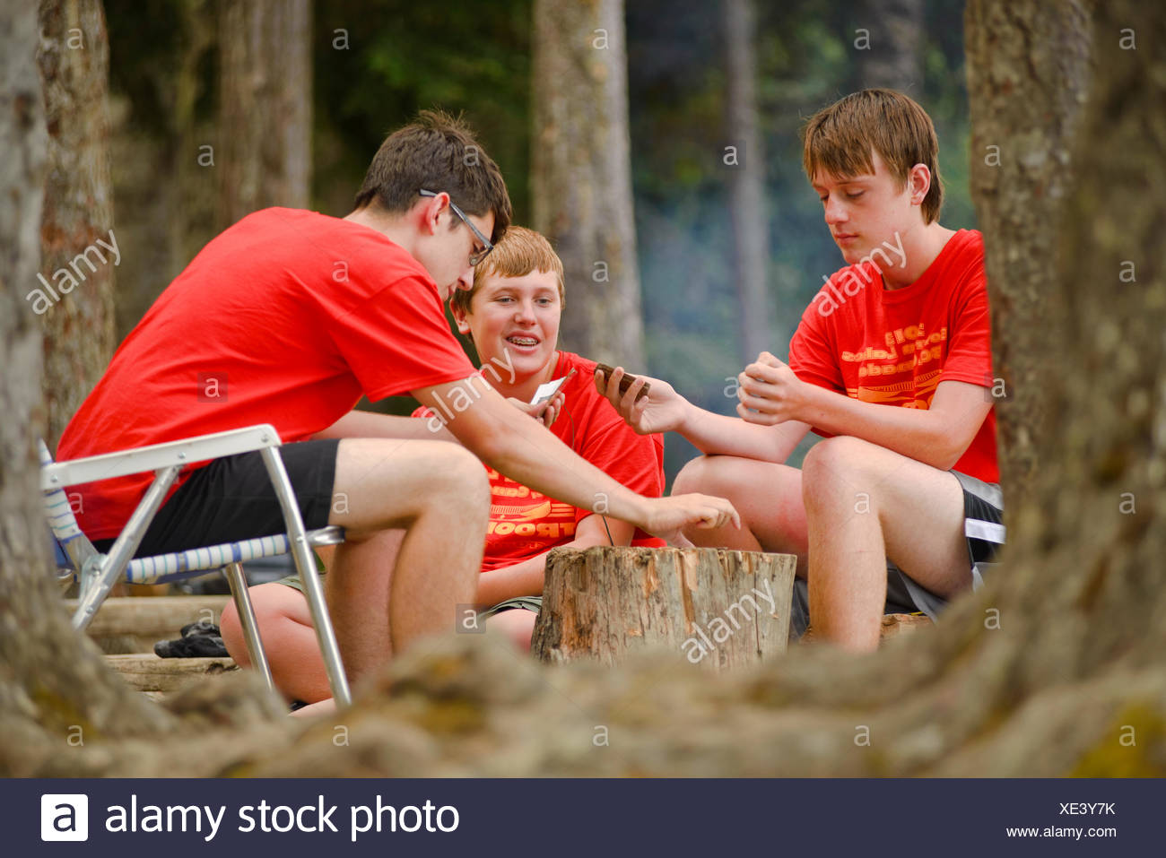 Boy Scouts canoeing on the Bowron Lakes circuit. Bowron Lakes Provincial Park. Quesnel, British Columbia - Stock Image