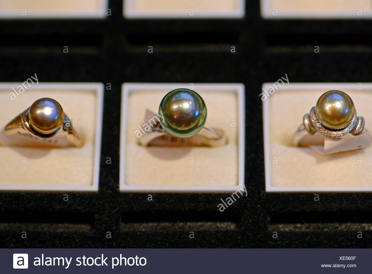 rings with black cultured pearls, Seychelles, Praslin - Stock Image